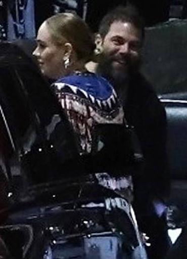 Tháng 3/2019, người hâm mộ phát hiện Adele xuất hiện cùng nữ diễn viên Jennifer Lawrence tại một quán bar cho người đồng tính tại New York. Ngày 19/4, hai quản lý thân thiết của Adele - Benny Tarantini và Carl thông báo ca sĩ người Anh đã ly thân. Sau chia tay, cô và Simon sẽ cùng nhau nuôi dạy con trai Angelo. Adele từ chối tiết lộ lý do của vụ việc. Cô dự kiến sẽ quay trở lại sự nghiệp âm nhạc trong năm nay. Tờ New Music Express đưa tin album mới của Adele dự kiến được phát hành vào tháng 12 tới.
