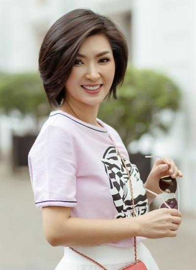 Nhan sắc ở tuổi 41 của Nguyễn Hồng Nhung.