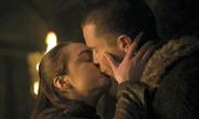 Sao 9x lần đầu đóng cảnh ân ái trong 'Game of Thrones'