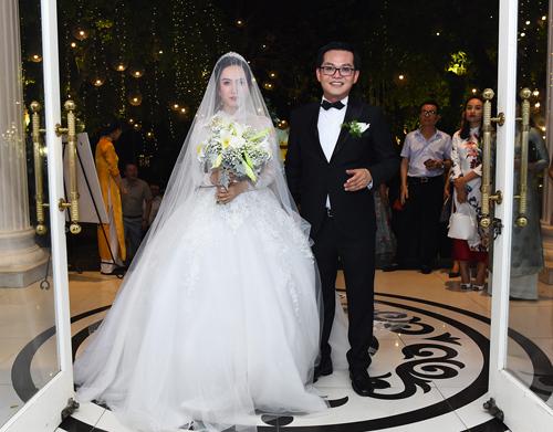 Cả hai cho biết vẫn run trong lần thứ ba tổ chức tiệc cưới.