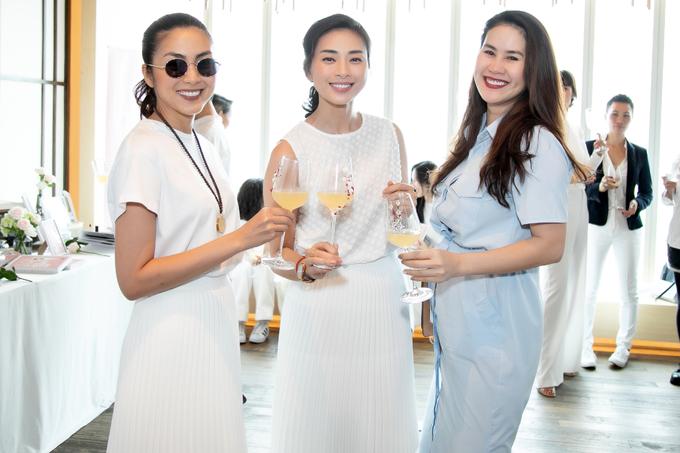 Tăng Thanh Hà, Ngô Thanh Vân mặc đồng điệu ở sự kiện
