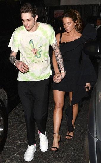 Kate Beckinsale cùng bạn trai kém 20 tuổi trong bữa tiệc sau chương trình SNL. Ảnh: Eonline.