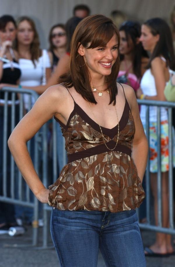 Nhan sắc của 'Người phụ nữ đẹp nhất thế giới' qua hai thập niên
