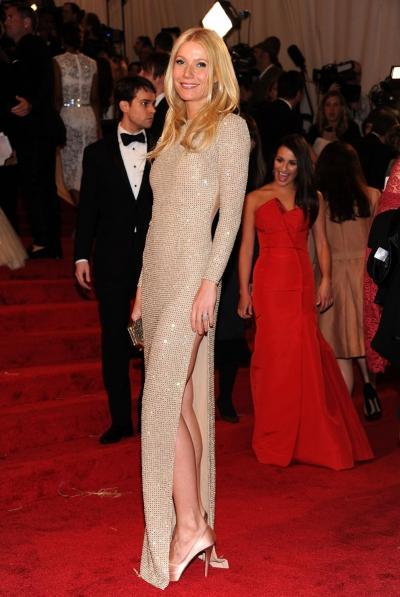 Năm 2011, thảm đỏ tôn vinh bộ đầm tối giản Stella McCartney dành cho Gwyneth Paltrow.
