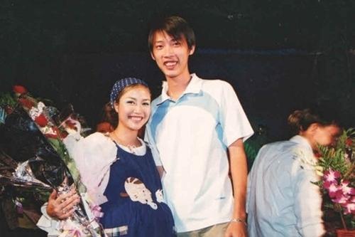Vào ngày 18/6/1999, Ốc Thanh Vân và Trí Rùa tình cờ gặp nhau khi cùng là học sinh trường THPT Bùi Thị Xuân. Giữa 2 người thực sự có duyên tiền định vì Thanh Vân và Trí có cùng ngày sinh: 18/2, chỉ khác là Trí sinh trước Vân 2 năm. Tính từ năm 2000 đến nay, Trí Rùa và Vân Ốc đã có 18 năm đón sinh nhật cùng nhau.