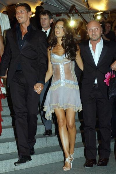 Năm 2003, Victoria Beckham đến