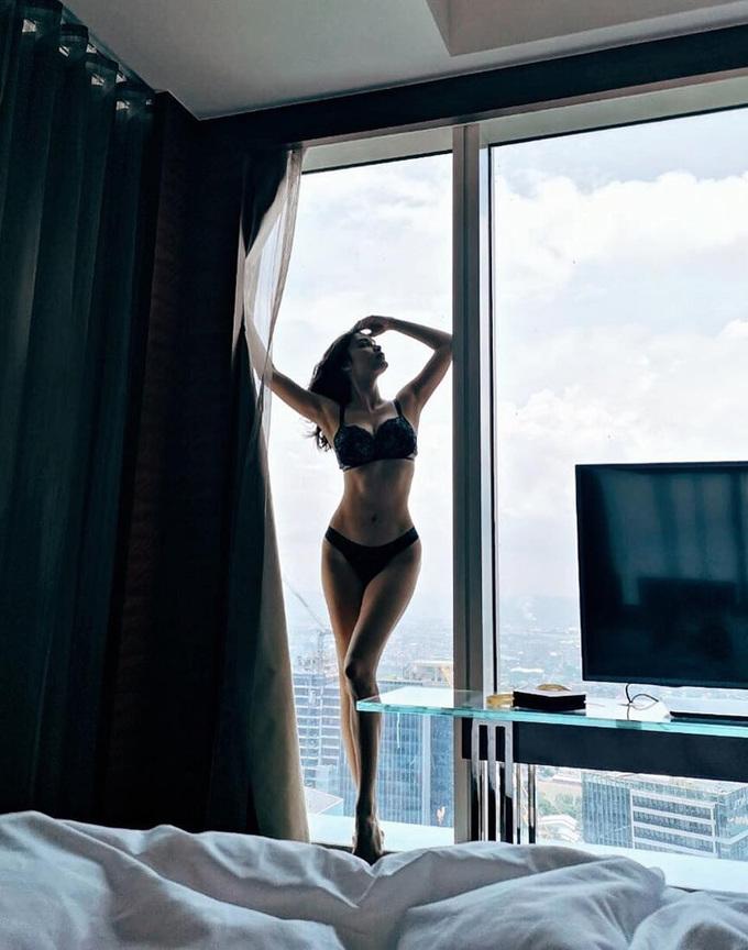 Sắc vóc tuổi 30 của Hoa hậu Hoàn vũ 2015