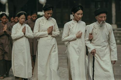 Từ trái sang: Như Quỳnh, Maya và Trần Nữ Yên Khê.