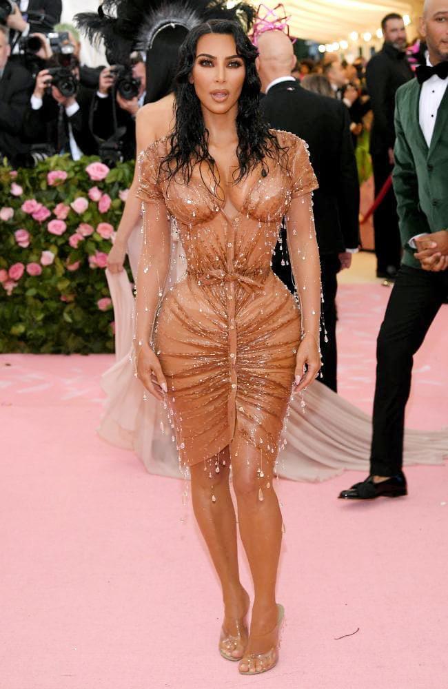 Dàn mỹ nhân diện trang phục hở ngực ở Met Gala 2019