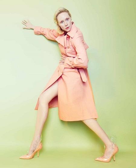 Gwendoline Christie xuất hiện trong nhiều bộ ảnh thời trang.