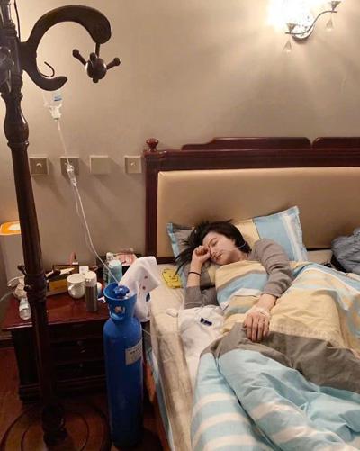 Tối 7/4, Trần Lệ Chí - một cộng sự của Phạm Băng Băng - đăng trên WeChat một số bức ảnh nữ diễn viên khi ở Tây Tạng. Anh cho biết Băng Băng phải truyền dịch, bị chảy nhiều mãu mũi, phù mặt, đau miệng. Các cộng sự khuyên diễn viênsớm về Bắc Kinh nhưng cô không đồng ý.