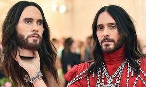 Những chiêu trò của sao Hollywood ở Met Gala 2019