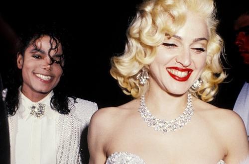 Michael Jackson và Madonna hẹn hò trong lễ trao giải Oscar năm 1991. Ảnh: Wired Image.