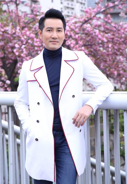Ca sĩ Nguyễn Phi Hùng.