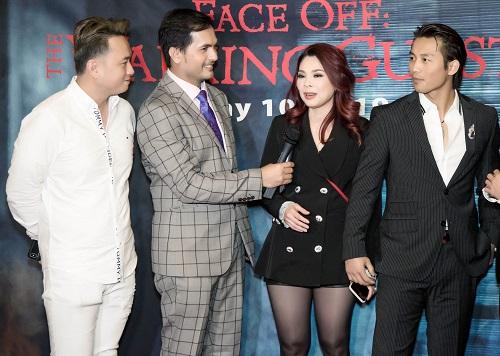 Ca sĩ Thanh Thảo (thứ ba từ trái sang) ở sự kiện. Hồi tháng 3, cô vừa kỷ niệm 25 ca hát bằng liveshow có hơn 1.500 khán giả.