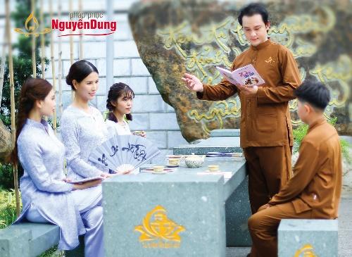 Với sự thống nhất về thiết kế pháp phụcNguyên Dung giúp các thành viên trong gia đình Phật tửcó thể sở hữu những sản phẩm trang nhã cho riêng mình.