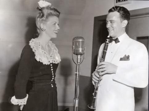 Doris và Al. Ảnh: The Enchanted Manor.