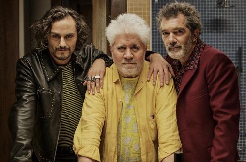 Từ trái sang: nghệ sĩ Raúl Arévalo, Pedro Almodóvar và Antonio Banderas.