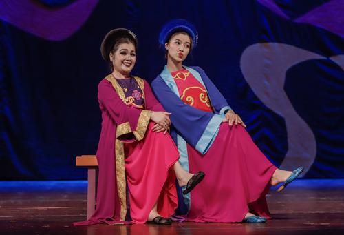 NSND Lệ Ngọc (trái) và Thu Hà đóng mẹ con Cám.
