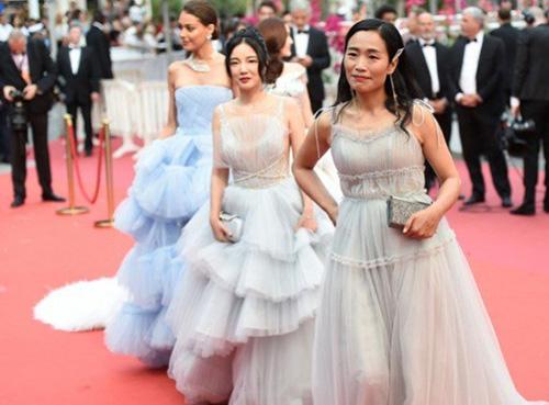 Sina nhận xét ngày càng nhiều người không mấy tên tuổi dự thảm đỏ Cannes.