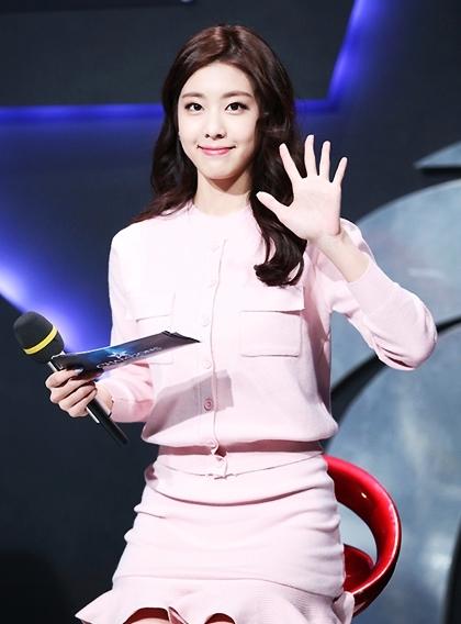 Jo Eun Jung - bạn gái kém 17 tuổi của tài tử So Ji Sub - 3