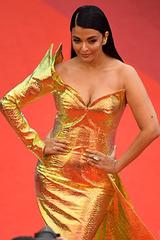 Cannes ngày sáu: Hoa hậu đẹp nhất mọi thời đọ dáng cùng dàn sao
