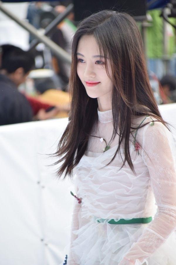 Cúc Tịnh Y - mỹ nhân 25 tuổi của dòng phim cổ trang Trung Quốc