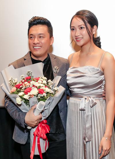 Vợ Lam Trường xuất hiện trong buổi ra mắt sản phẩm âm nhạc của chồng.