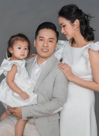 Con gái Lam Trương hơn hai tuổi.
