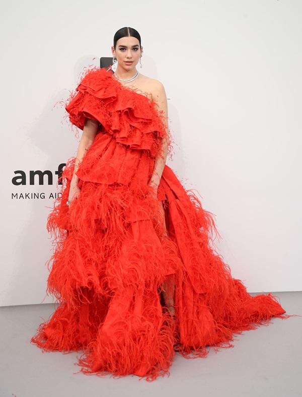 Dàn thiên thần Victoria's Secret mặc hở dự tiệc ở Cannes