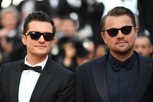 Tài tử Leonardo DiCaprio (phải) và Orlando Bloom ở buổi công chiếu The Traitor.