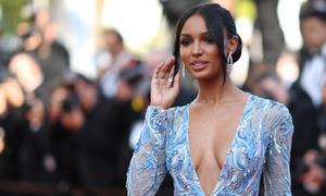 Cannes ngày 10: Người mẫu nội y Mỹ sánh bước dàn sao trên thảm đỏ