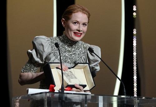 Emily Beecham sinh năm 1984, nổi tiếng với series Into the Badlands và phimDaphne. Ảnh: AFP.
