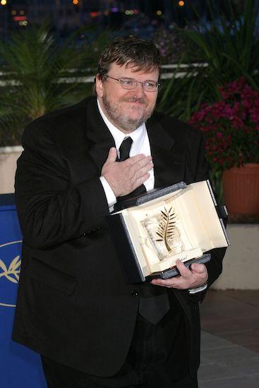 Đạo diễn Michael Moore nhận giải Cành Cọ Vàng năm 2018.