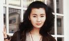 Trương Mạn Ngọc mua giày, nội y ở sạp hàng ven đường