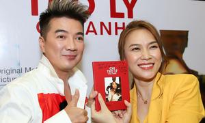 Đàm Vĩnh Hưng mua đĩa nhạc phim của Mỹ Tâm