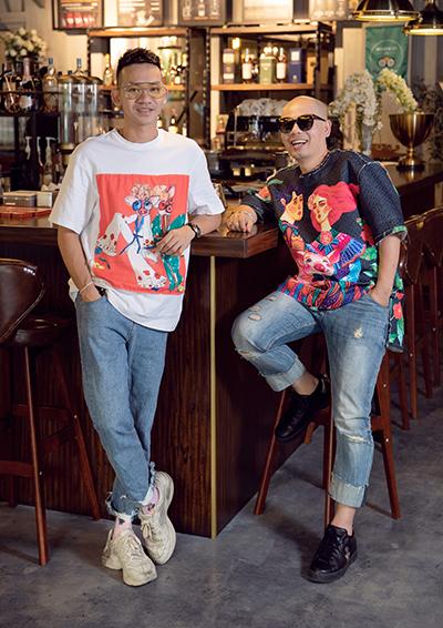 Nhà thiết kế Vũ Ngọc Tú (trái) và Đinh Trường Tùng.