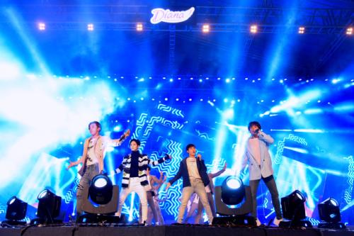 Sơn Tùng M-TP nhảy sung khi biểu diễn ở Cần Thơ - 3