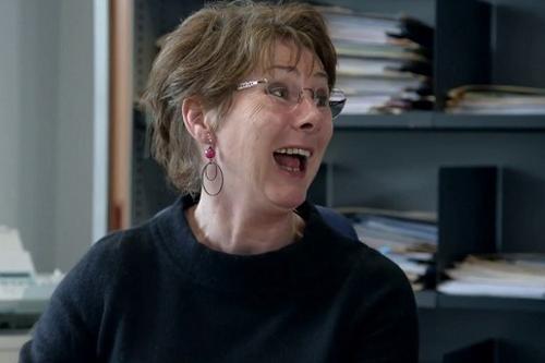 Nữ thẩm phán người Bỉ Anne Gurwez - nhân vật chính trong So Help me God.