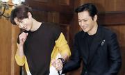 Song Joong Ki nắm tay Jang Dong Gun ra mắt phim mới