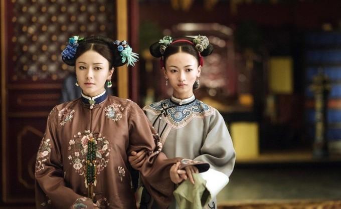 Hai sao 'Diên Hy công lược' diện váy giống nhau
