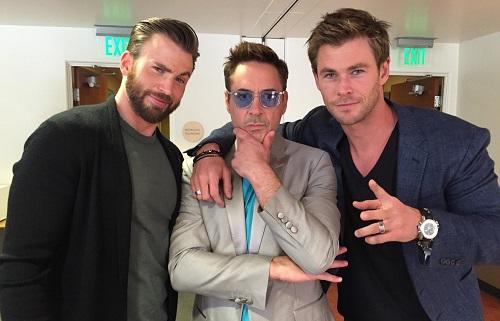 Trong ba diễn viên chính của Vũ trụ Điện ảnh Marvel, Chris Hemsworth (phải) nhiều khả năng tiếp tục gắn bó, trong khi Chris Evans (trái) và Robert Downey Jr. đã chia tay vai diễn. Ảnh: Twitter.