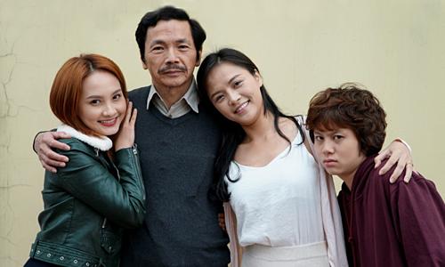 Bảo Thanh, NSƯT Trung Anh, Thu Quỳnh, Bảo Hân (từ trái sang)- bốn diễn viên chính của phim.