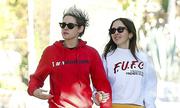 Thời trang khi sánh đôi của Kristen Stewart và người tình đồng giới
