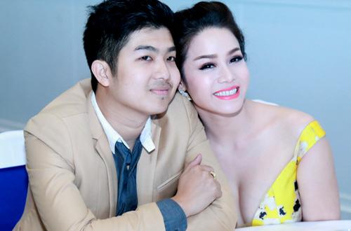 Nhật Kim Anh và chồng.