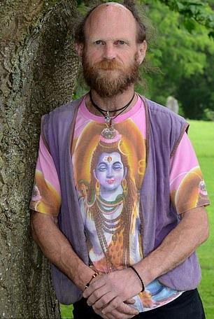Geoff Dwight, em trai cùng cha khác mẹ của Elton John. Ảnh: Nigel Iskander.