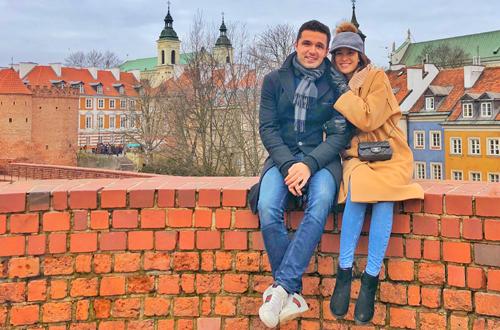 Phương Mai và chồng sắp cưới trong chuyến du lịch châu Âu.