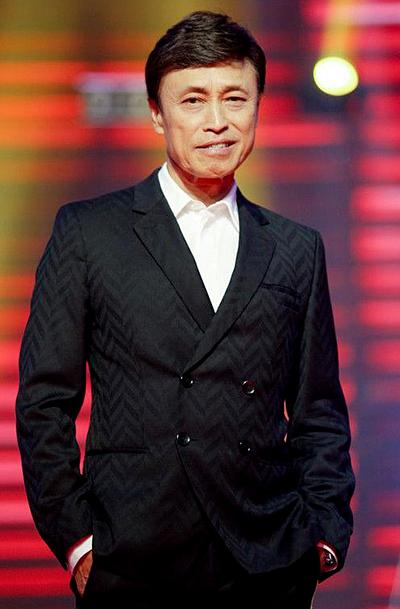 Tuấn Ngọc ít nói, thường nhận xét thẳng thắn ở The Voice.