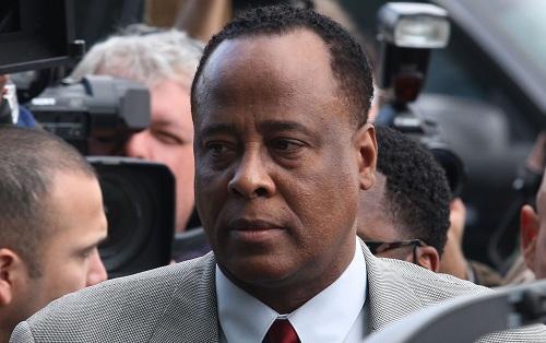 Conrad Murray - người bị kết tội ngộ sát Michael Jackson. Ảnh: Life&Style.