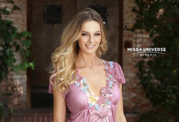Người mẫu quốc tịch Mỹ đăng quang Hoa hậu Hoàn vũ Albania